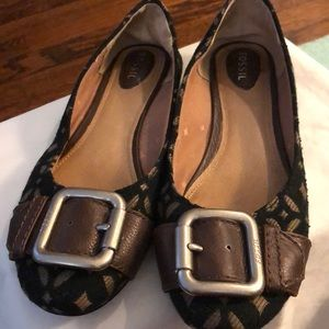 Flats with Buckle Accent